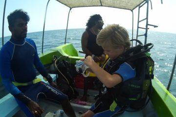 Voorbereiding duiken met kinderen